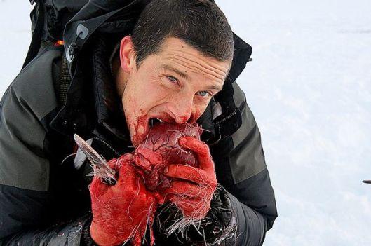 Bear-Grylls-eating-a-reindeer-heart