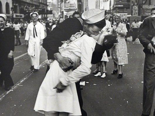 kissing-sailorv4